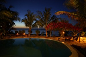 Sansibar Villa Lisa Pool Abends